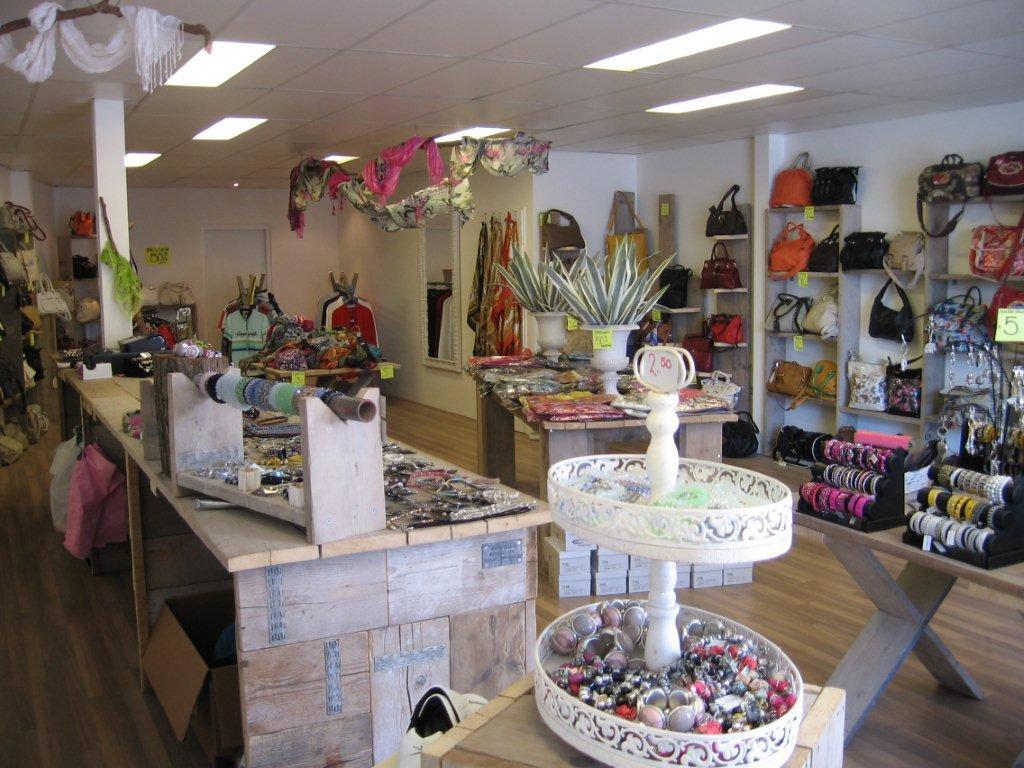 Slaapkamer winkels belgie te koop bij gigagadgets be giga for Interieur winkel antwerpen